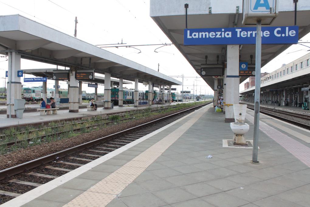 Di Natale denuncia: «Nelle stazioni ferroviarie della nostra regione pare che non ci siano più controlli».