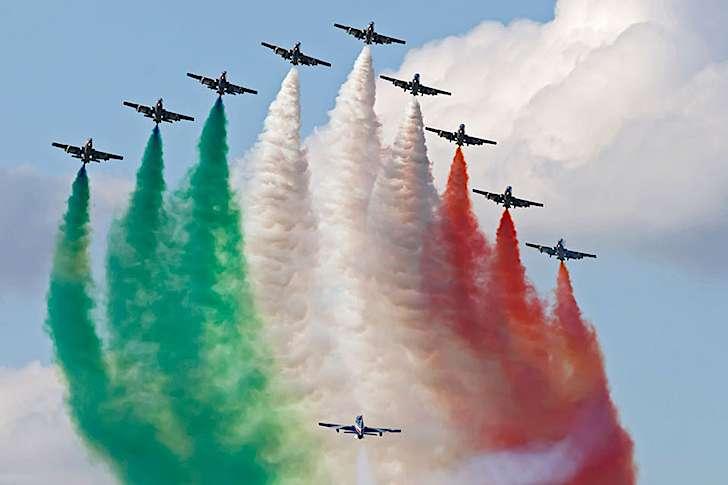 Frecce Tricolori: Tra le tappe la città di Catanzaro.