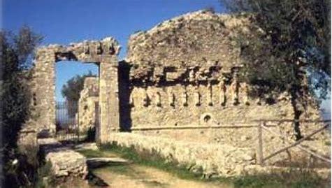 Il borgo di Arena
